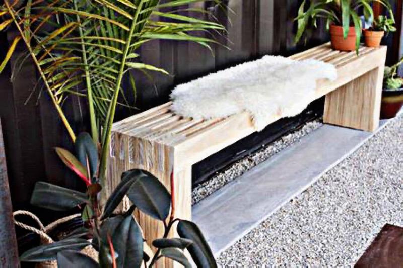 طراحی نشیمن در فضای باز - استفاده از نیمکت به عنوان نشیمن