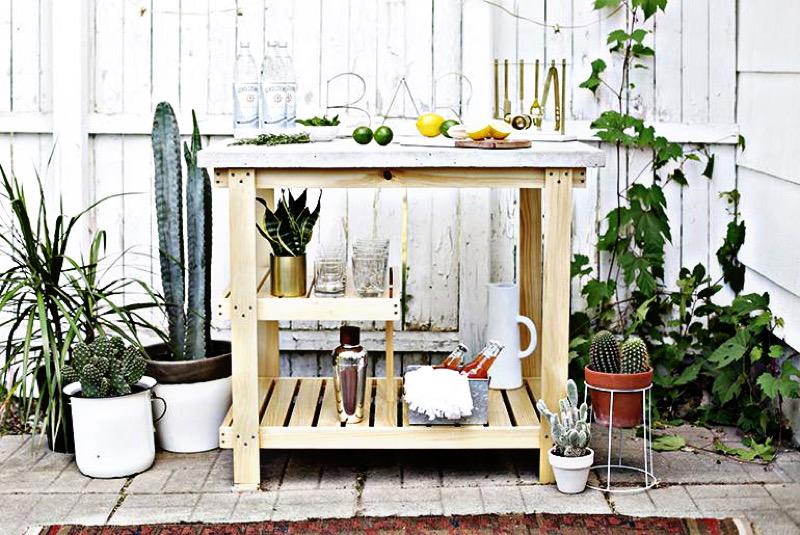 طراحی نشیمن در فضای باز - میز بار فضای باز